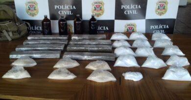 Homem é flagrado com quase 30 porções de drogas em Barueri